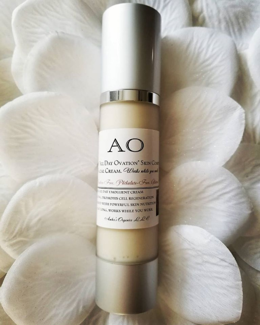 "Organic ""All Day Ovation"" Deep Day Moisturiser Cream - Works while you work -  be GLAMGANIC!"